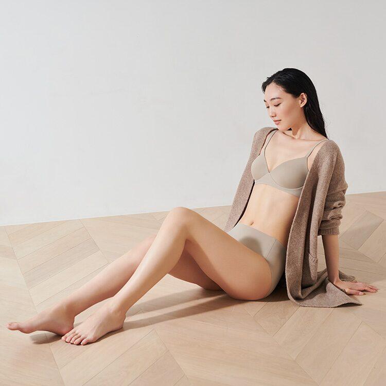 https://www.uniqlo.com/jp/ja/women/innerwear/bra